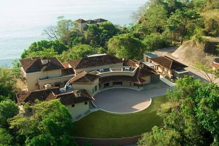 Villa Paraiso, Montezuma-Costa Rica
