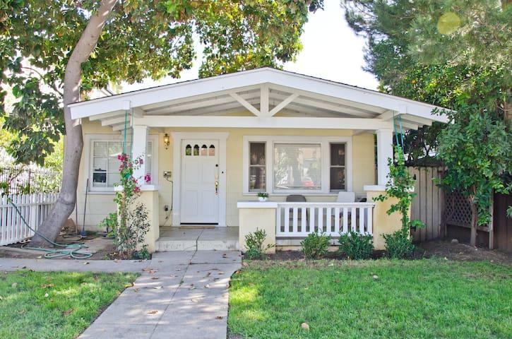 Weho Craftsman Parking/Laundry/Wifi - West Hollywood - Casa