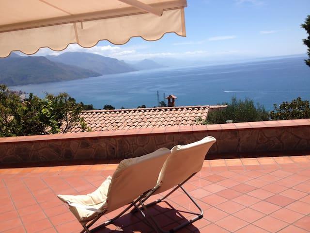 Casa e terrazza sul mare - Capitello - Loft
