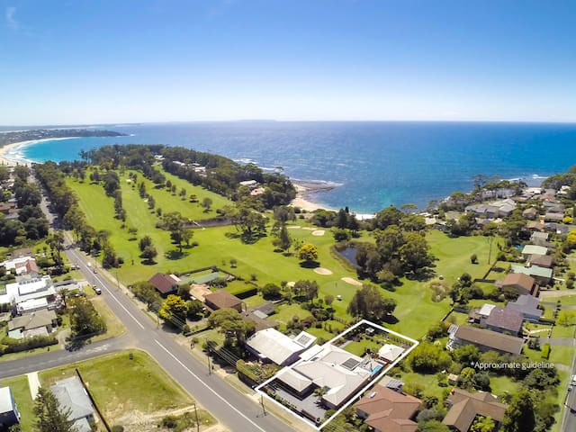 Enjoy Golf on Golf - 1 B/R Apartment in Mollymook