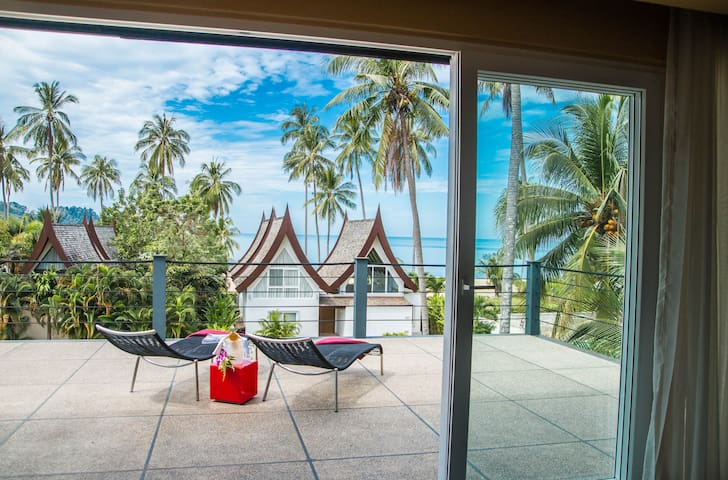 Villa, steps to Beach & Beach Front Pool 3 bedroom - Koh Chang - Wohnung