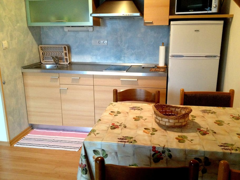 New and fully equipped kitchenette