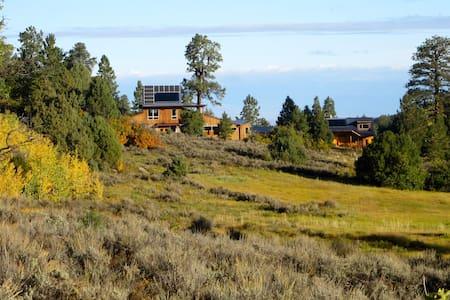 Restorative Cabin Retreat - Montrose - Stuga
