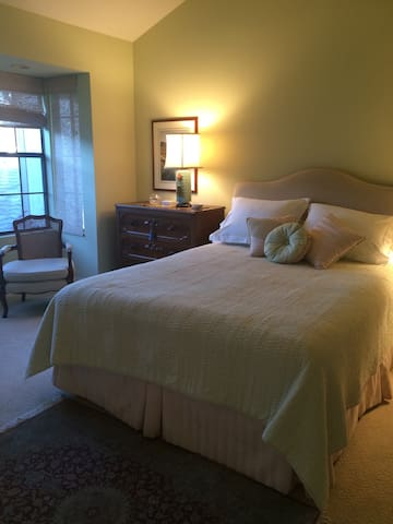 Townhouse, large bedroom on 2nd Fl. Private Bath. - Rancho Santa Fe - Adosado