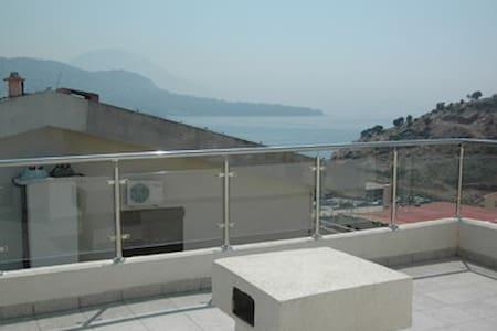 Двухуровневая 4х комнатная квартира 5 мин от моря