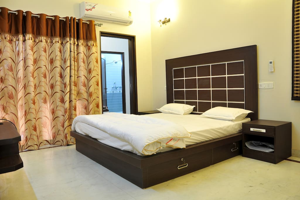 New Amp Hygienic Home Stay Bed Amp Breakfasts For Rent In Agra