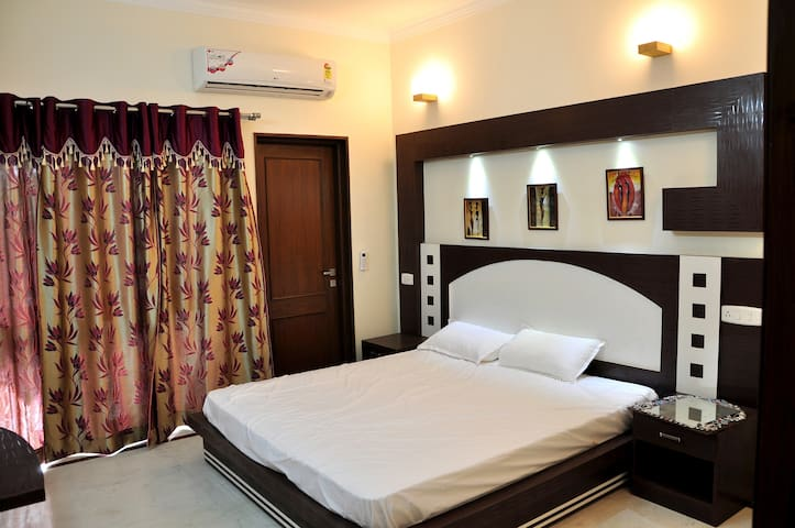 New & Hygienic Home Stay  - Agra - Bed & Breakfast