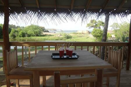 Redhill Lodge:Beachfront  nearYala - Casa