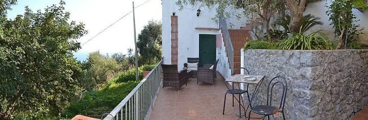 Villa Madreluna