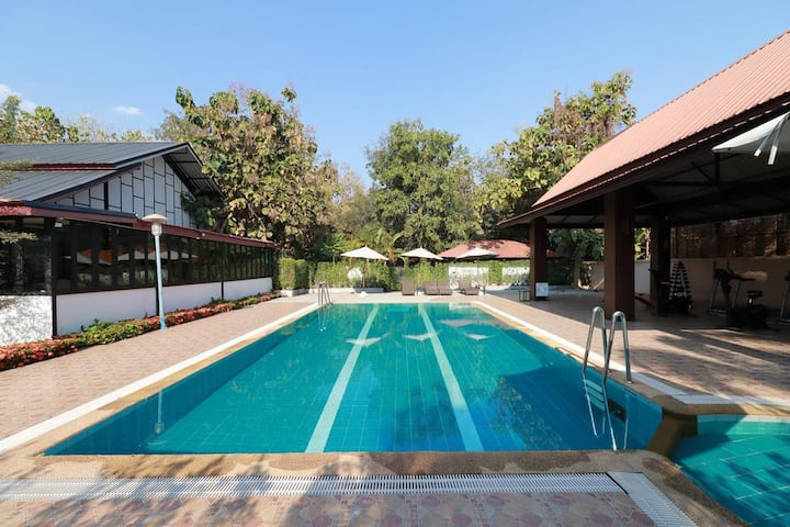 OYO 557 Tong House Resort- Discounted monthly stay