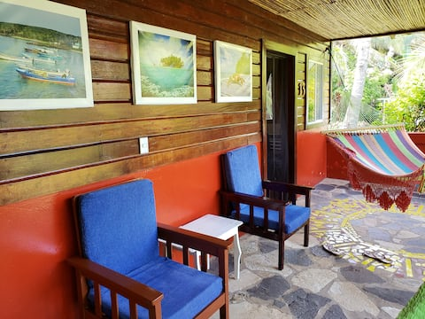 Paraiso Beach Hotel, room max 4p, breakfast inc.