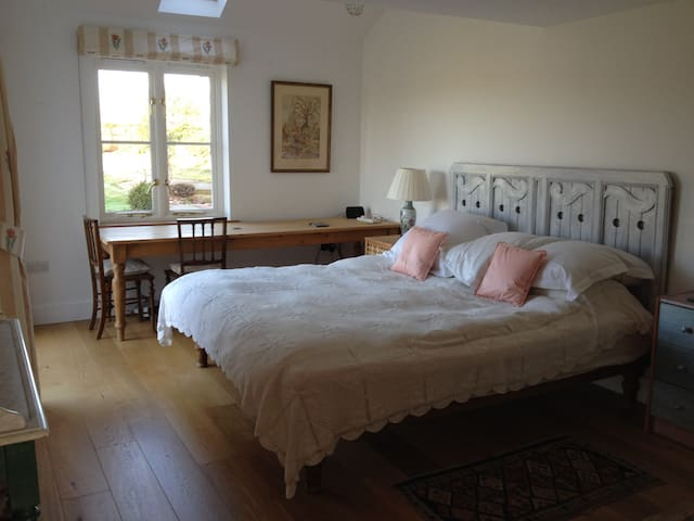 Three private rooms at New Cottage - Nuneham Courtenay