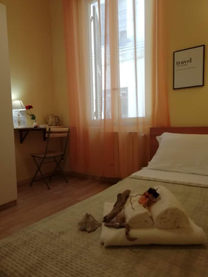 Stanza SINGOLA privata a La Spezia