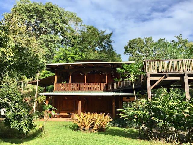 Peaceful Beach and Garden Retreat - Casa Heliconia - Puerto Viejo de Talamanca - Ház