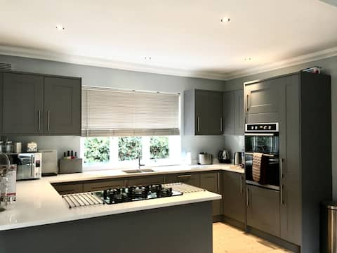 Cosy 3BR home in forest close to London & Stansted