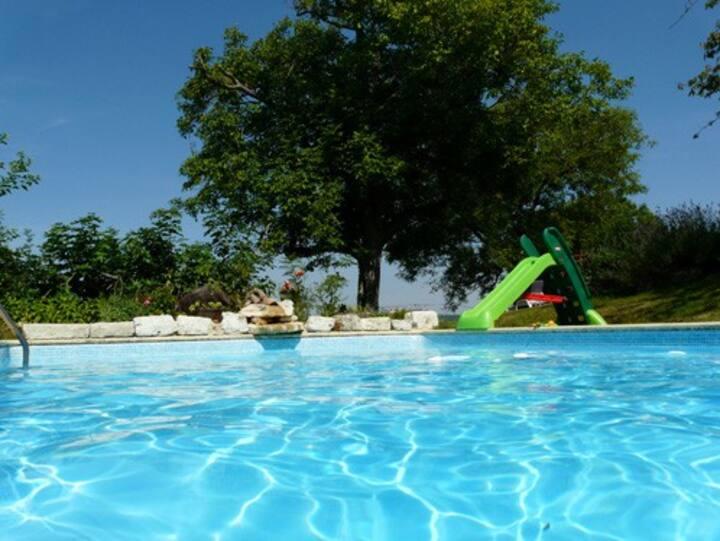 Vallée du Lot 2 maisons de caractere avec piscine