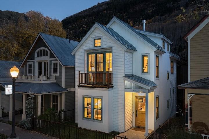 Designer Decor & Pristine Finishes Abound in this Striking Luxury Home