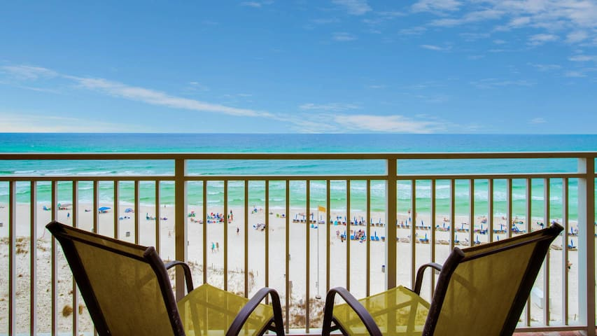 New Owner: Beautiful Beachfront Condo!