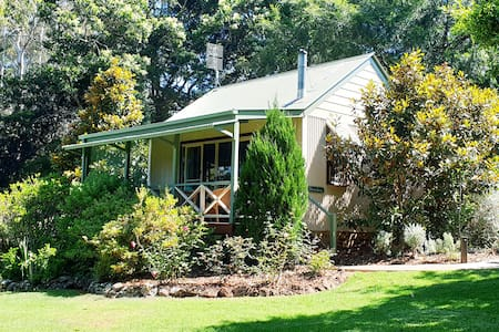 Couples Romantic Cottage at Maleny Montville