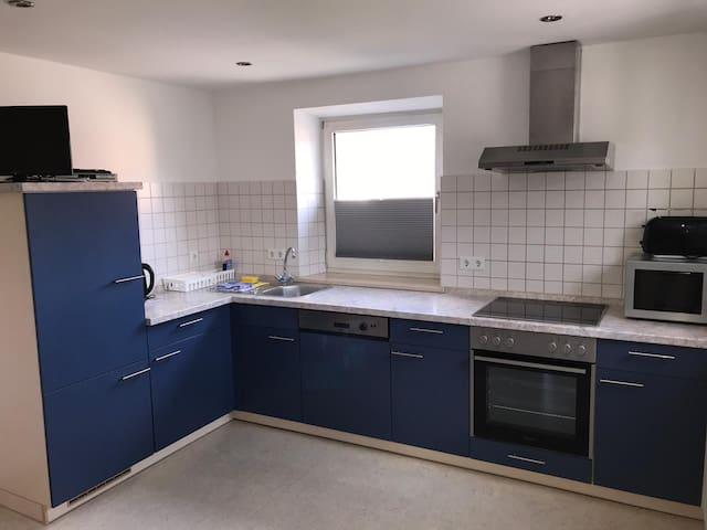 Ferienwohnung Asum -, Wohnung Blau - Helle FeWo mit 2 Schlafräumen und großzügiger Wohnküche & kostenfreiem WLAN