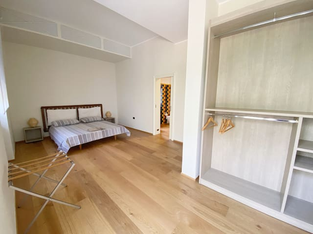 Camera da Letto / Master Bedroom