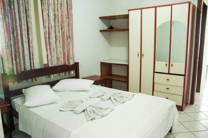 Apartamento Frente ao mar para 2 pessoas - Bombinhas - ที่พักพร้อมอาหารเช้า