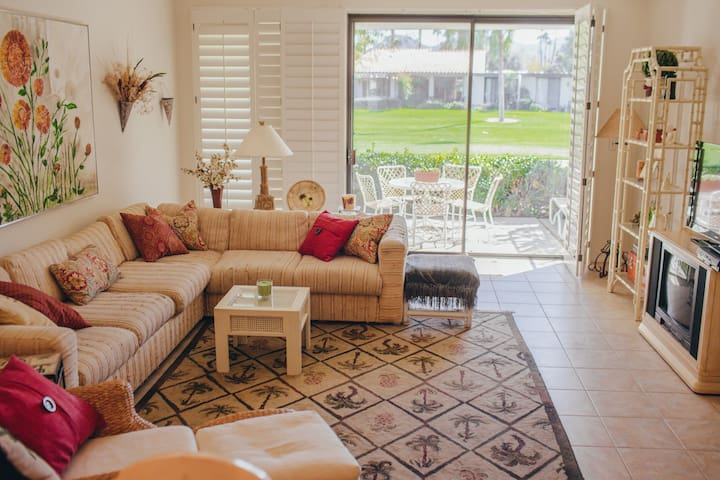 *RANCHO MIRAGE DESERT OASIS - GOLF COURSE CONDO