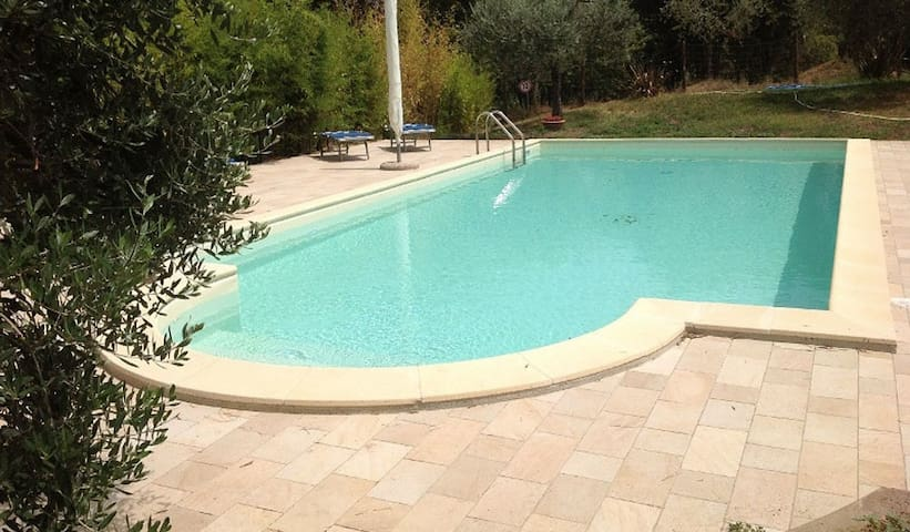 Apartment with swimming pool near Rome - Sacrofano - Leilighet