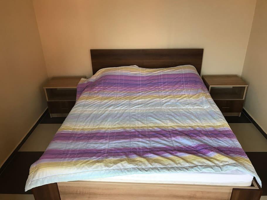 Кровать (bed)