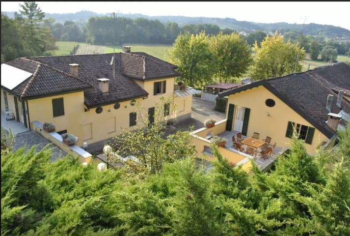 B&B Fontana - Maddalena - Provincia di Asti - Bed & Breakfast