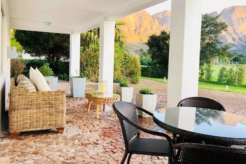 Beautiful Ground Floor Suite With Mountain Views