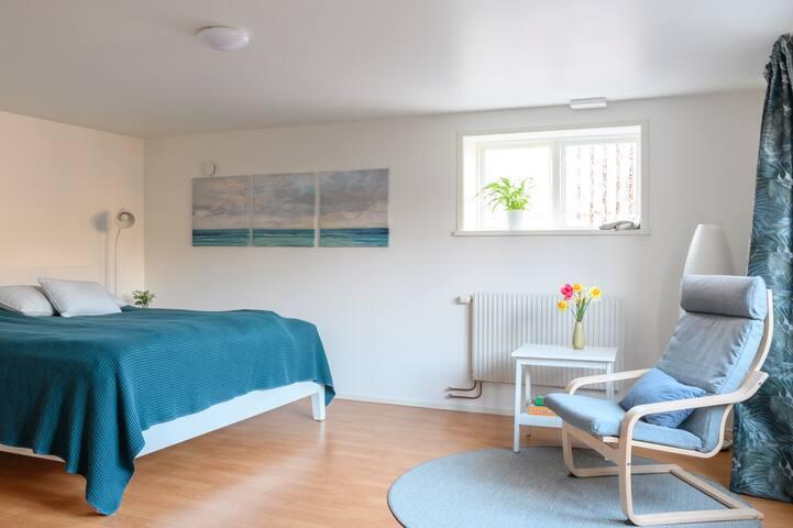 Mysig lägenhet i Gamla Viken, nära havet och affär