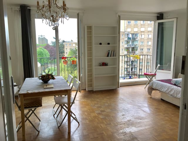 Cozy-Sunny double room 12 min away from Notre Dame - Arcueil - Appartement