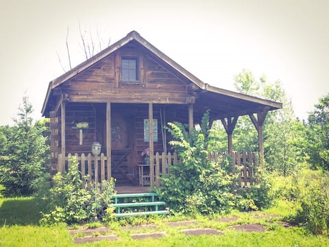 """Irish Acres Farm""""Glamping"""" tiny house FAIRY CABIN"""