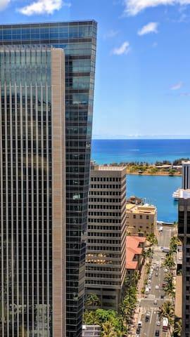 Downtown High Floor Ocean View 1 BD + Den
