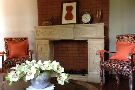 Luxury room in Garden Villa - Yogyakarta - Villa