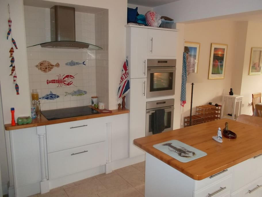 The kitchen has double ovens, ceramic hob & all the up to date equipment you need.