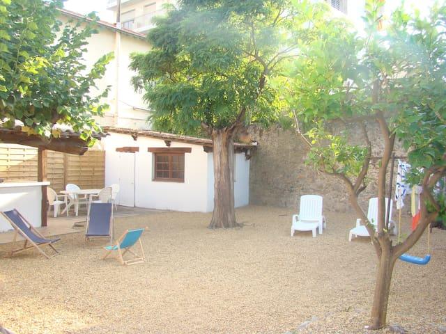 Home & garden 100m La Croisette - Cannes - Casa