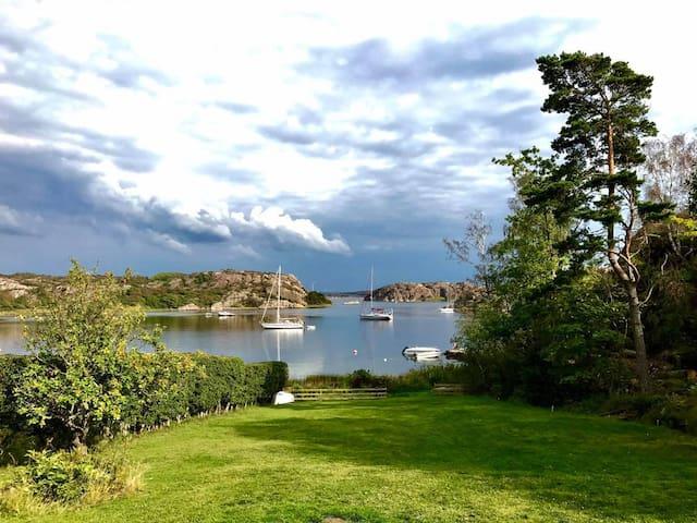 Grönvik En oas av hav, natur och grönska.