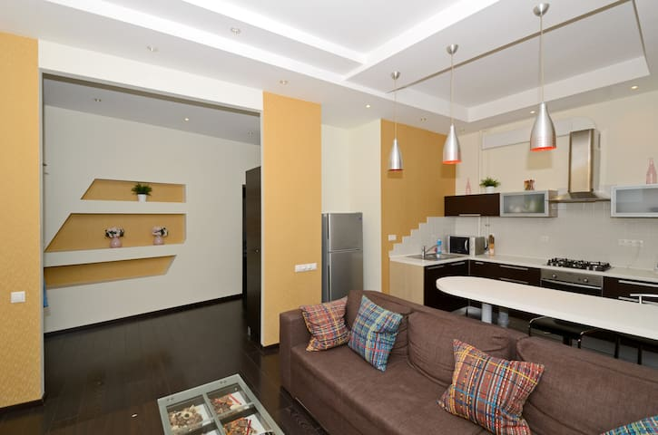 ★MODERN MAIDAN JACUZZI APARTMENT WITH 2 BATHROOM★ - Kiev - Departamento