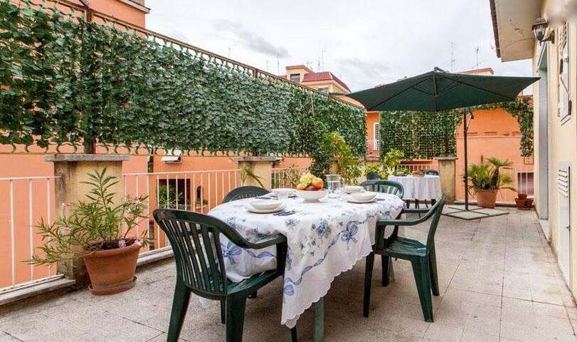 Nice apartment near Trastevere.