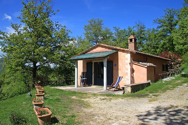 Cottage in the green near thermal baths - San Casciano dei Bagni - Rumah