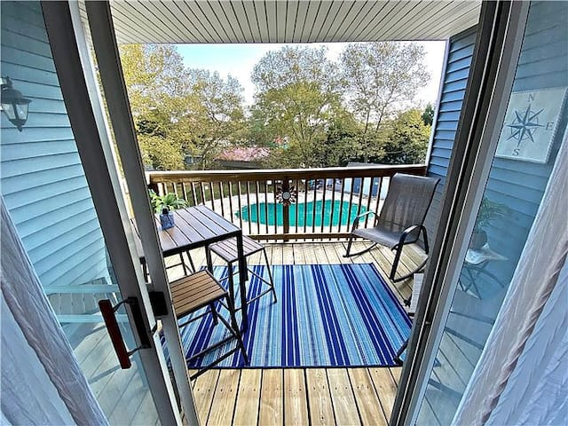 Modern, Updated Condo. 1 Block from Rehoboth Ave
