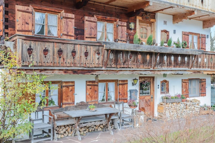 "Rustic Holiday Apartment ""Beim Zotzn"" with Balcony, Mountain View & Wi-Fi; Parking Available"