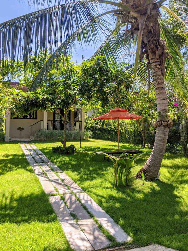Deluxe Bungalow with Garden View GH2