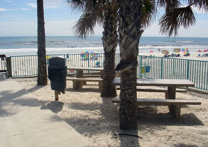 Van Avenue Park @ Beach w/ Drive on access. (approx 500 steps from house)