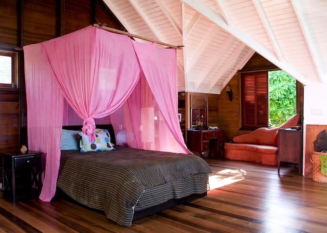 Loft bedroom - Master Bedroom