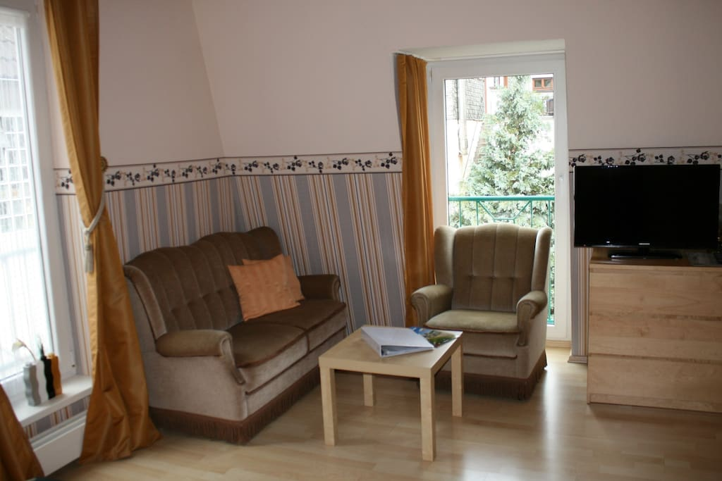 double room No. 1 / couch area