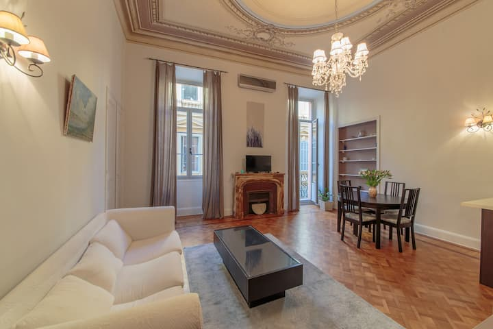 Beautiful loft in an Old Nicois Palace