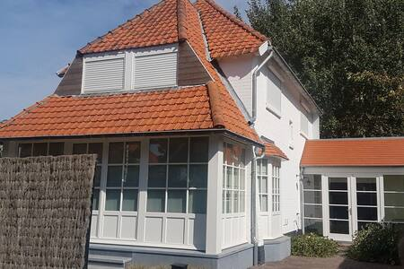 Elegant Villa in Koksijde with Garden
